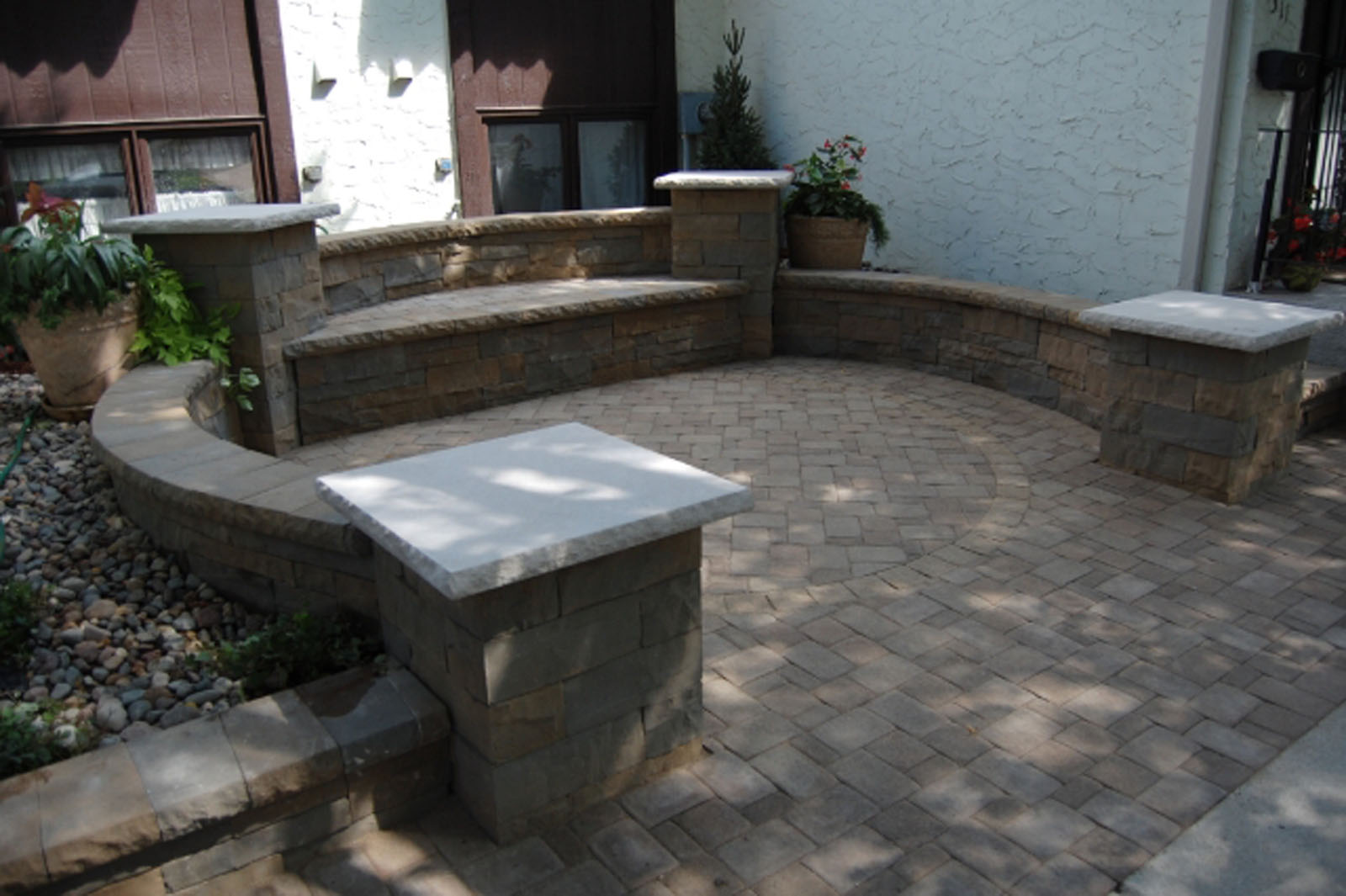 edina-front-seating-patio-after